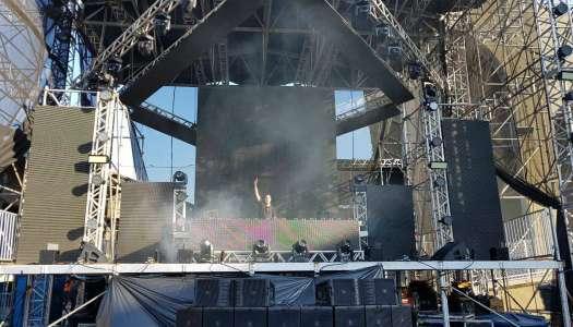 Ultra Music Festival (Rio): Batemos um papo legal com Guto Putti no backstage do festival.