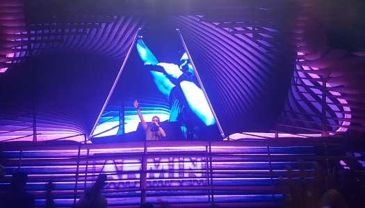 Fãs compartilham seus relatos sobre o show de Armin Van Buuren no Laroc Club.